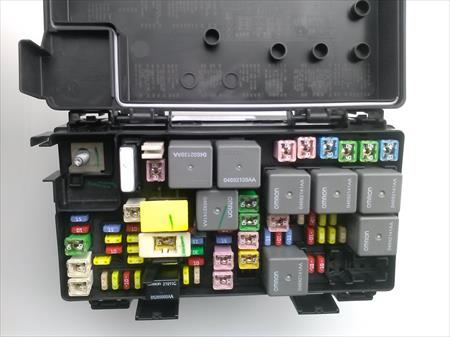 Cadillac Escalade Limousine Wiring Diagram together with 2010 Dodge Ram Fuse Box Location moreover 2007 Dodge Charger 3 5 Fuse Box Diagram moreover Watch furthermore 08 Dodge Nitro Fuse Box. on 2008 dodge ram 1500 fuse box layout