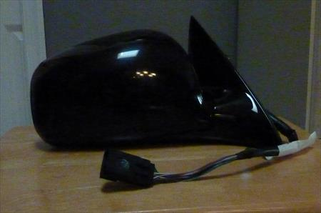08-2012 LINCOLN TOWN CAR OEM RH RIGHT PASSENGER SIDE MIRROR 9W1Z-17682-AAPTM OEM Part Number: 9W1Z-17682-AAPTM