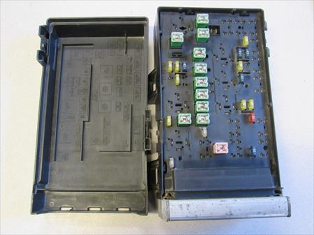 2002 dodge caravan used fuse box oem m046d c23 #26124661 , 0486900aja, 04869201am fuse box for dodge charger