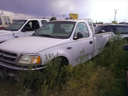 Parting out 1998 <em>Ford</em> F150 98/F150/7015