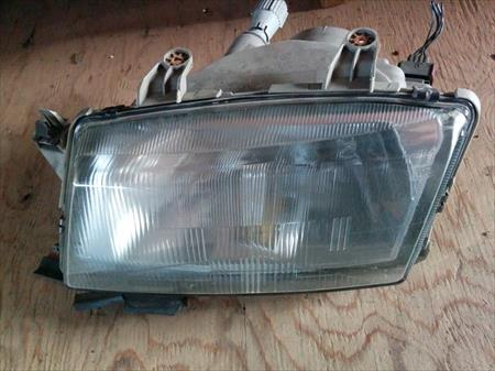 Saab 9-3 <em>headlight</em> <em>assembly</em>