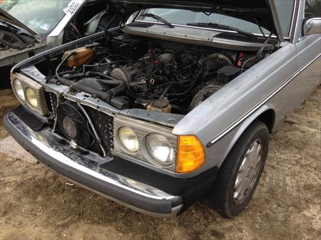 1985 Mercedes Benz 300D PARTS CAR IN NJ 08094