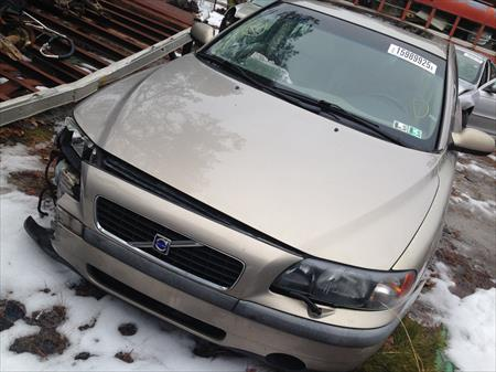 2002 VOLVO S60 PARTS CAR IN NJ 08094