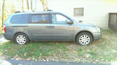 PARTING-OUT-2006-KIA-SEDONA-EX-LOADED-..