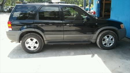 ~/listings/photos/562d96c5-850a-4bcc-aa9b-763284387cae.jpg 2002 ford escape