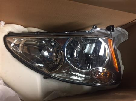 RH Headlamp 2 2004-09 Lexus RH Headlamp OEM
