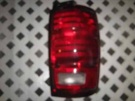 1998 - 2003 EXPEDITION PASSENGER SIDE <em>TAIL</em> <em>LIGHT</em>