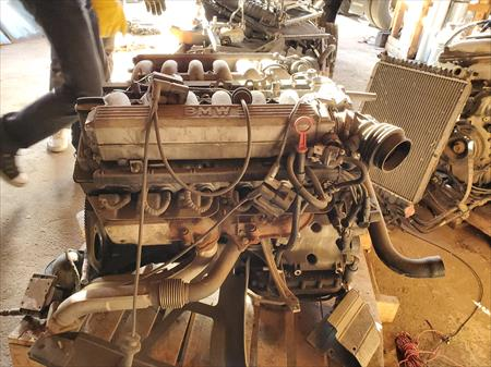 1992 Bmw 850i engine